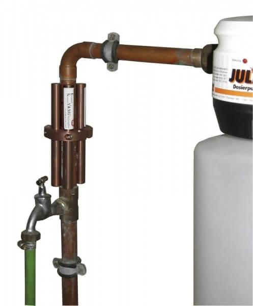Bei kurzen Zuleitungen ist die Anbringung auch mit kürzeren Stäben zur Wasserenergetisierung möglich